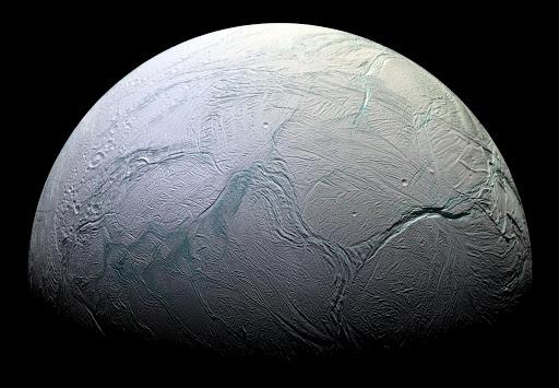 Космічний зонд знайшов ознаки життя на супутнику Сатурна