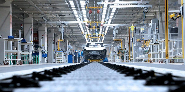 Іспанії інвестує майже 4,5 млрд євро у виробництво електромобілів