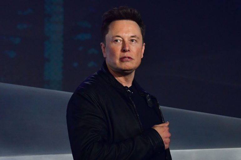 Илон Маск планировал возглавить Apple