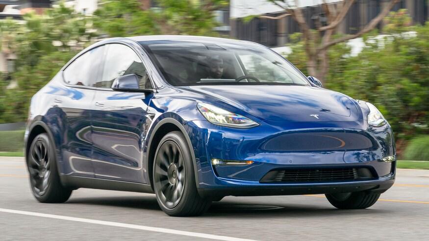До Європи прибули перші Tesla Model Y, зібрані в Китаї