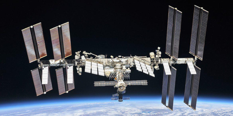 NASA розслідує мимовільний запуск двигунів російського модуля на МКС