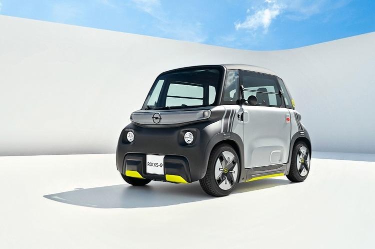 Opel представив компактний електрокар, який зможуть водити навіть підлітки