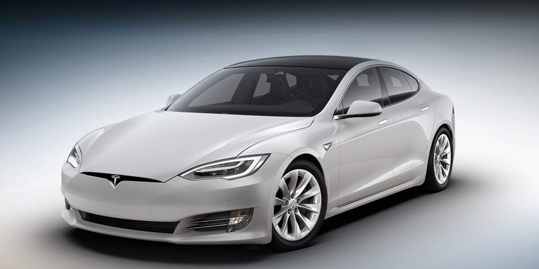 Федеральне агентство США почало розслідування проти Tesla через аварії, пов'язані з її автопілотом