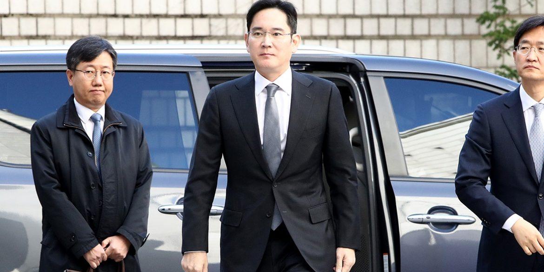 Глава Samsung достроково вийде з в'язниці