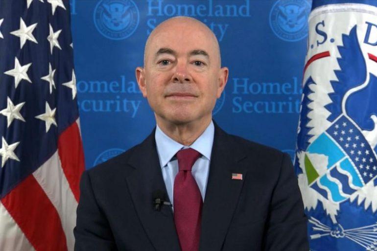 Влада США зобов'язала компанію співпрацювати з Міністерством внутрішньої безпеки через хвилю атак хакерів