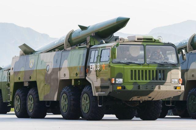 Китайцы испытали боевую ракету, которая стреляет на 800 километров. Видео