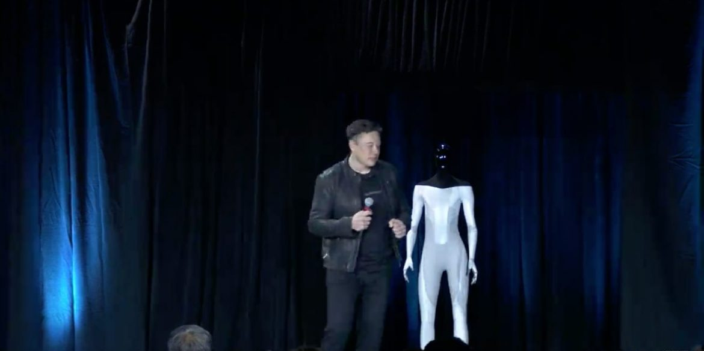 Tesla у наступному році випустить власного робота - Tesla Bot
