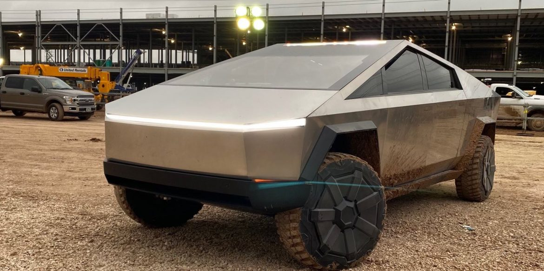 Tesla перенесла вихід Cybertruck на 2022 рік