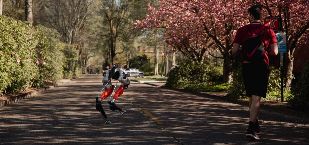 Відео: робот Cassie біжить 5 кілометрів без підзарядки