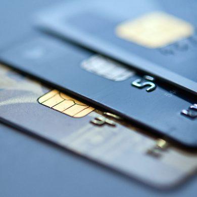Вступил в силу закон о платежных услугах. Что изменится для украинцев