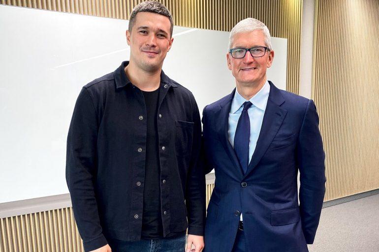 Украинская Siri, перепись населения и программирование для ветеранов: о чем говорили глава Минцифры и CEO Apple