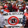 Мешканці Сальвадора вийшли протестувати проти легалізації біткоіна