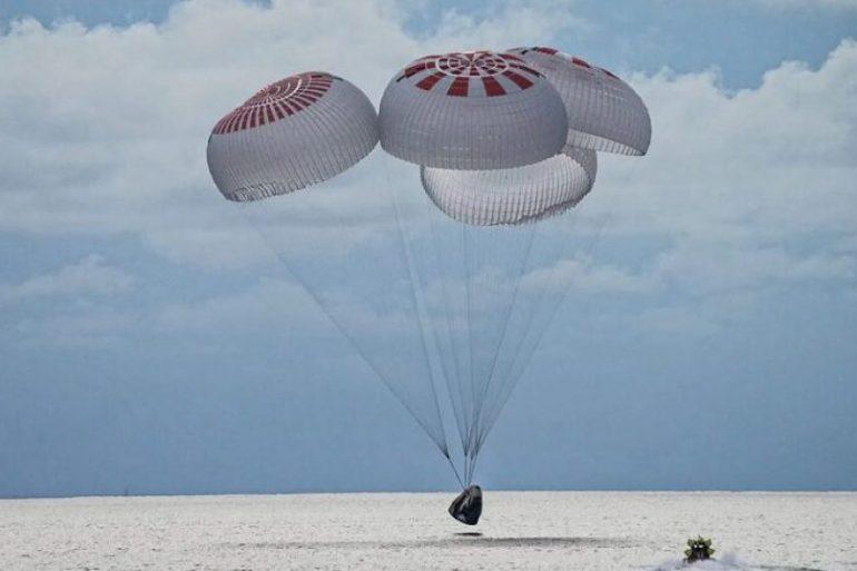 Екіпаж першої цивільної місії Inspiration4 успішно повернувся на Землю