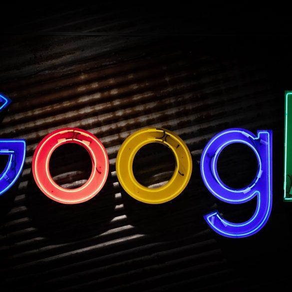 Google і Apple видалили додаток «Навальний» зі своїх магазинів. Співробітникам компаній погрожували кримінальними справами, - The New York Times