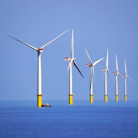 Великобританія збирається повністю перейти на відновлювальну електроенергію до 2035 року