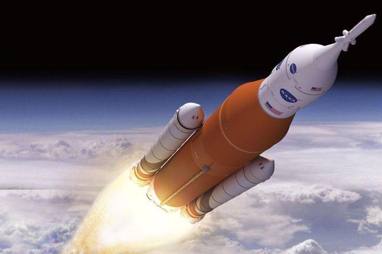 NASA закінчила збірку ракети Space Launch System для польотів на Місяць. Перший запуск запланований на 2022 рік