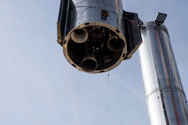 Компанія SpaceX провела перші вогневі випробування двигуна Raptor на прототипі Starship